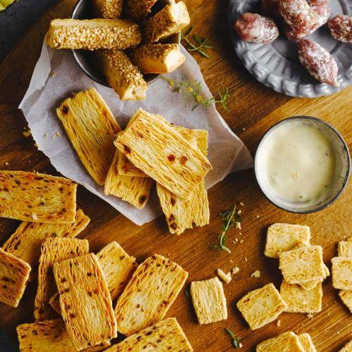 Käse-Biscuits mit Pesto